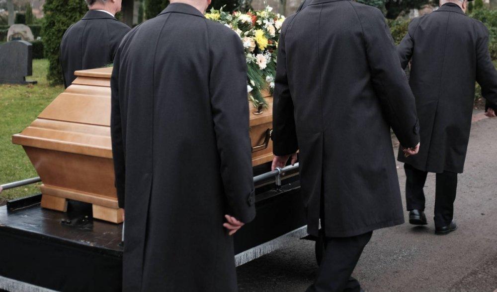 Sfaturi pentru a alege o firma de servicii funerare potrivita